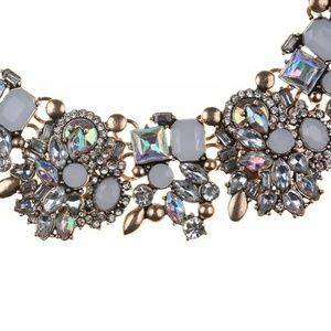 Statement necklace white crystal stone
